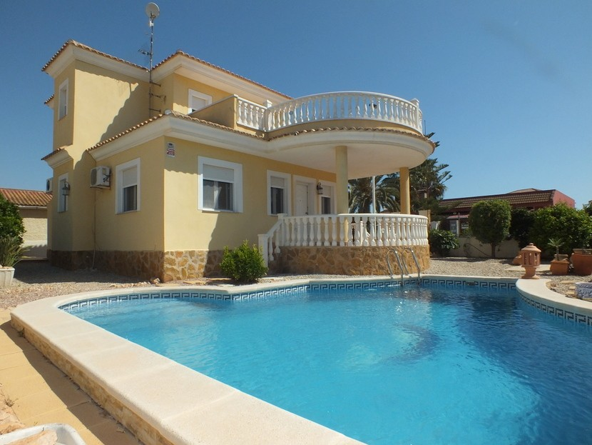 Ref:CB-43446 Villa For Sale in Los Alcazares