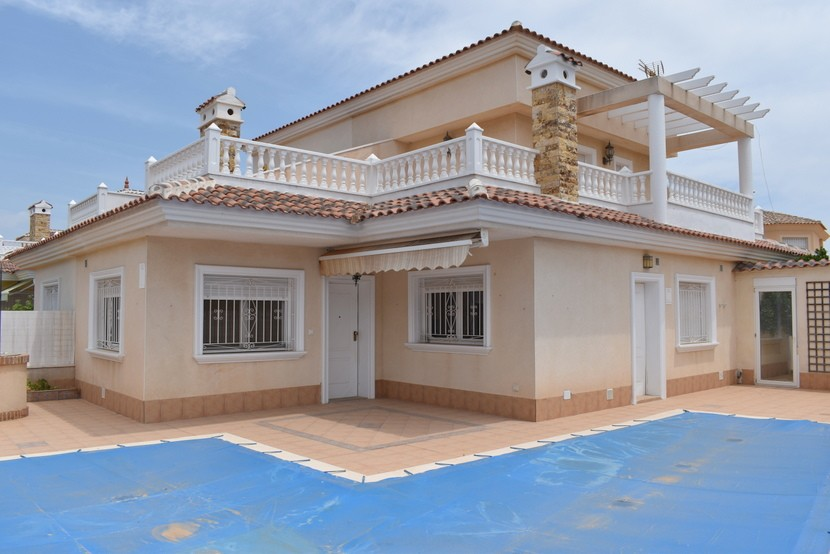 Ref:CB-34870 Villa For Sale in Los Alcazares