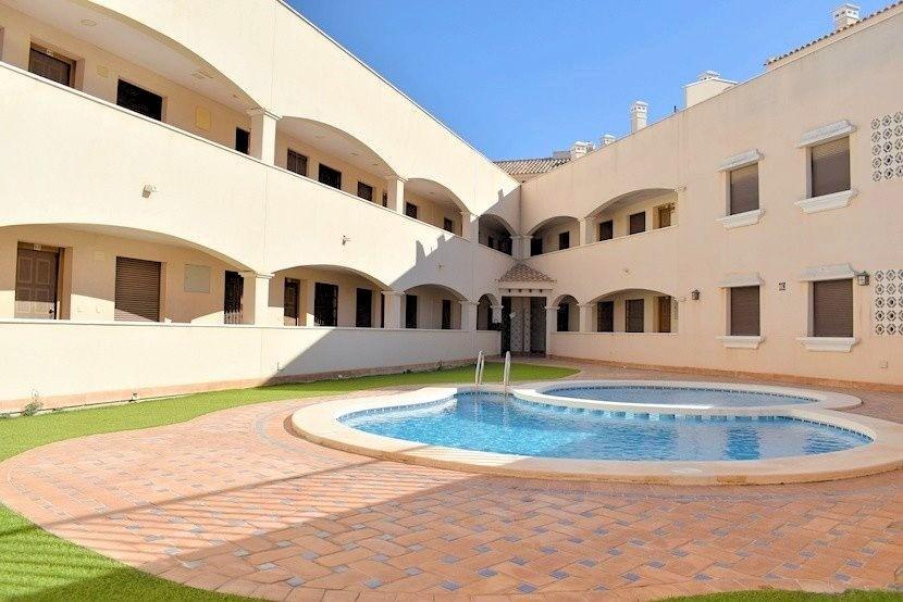 Ref:CB-94875 Apartment For Sale in San Cayetano