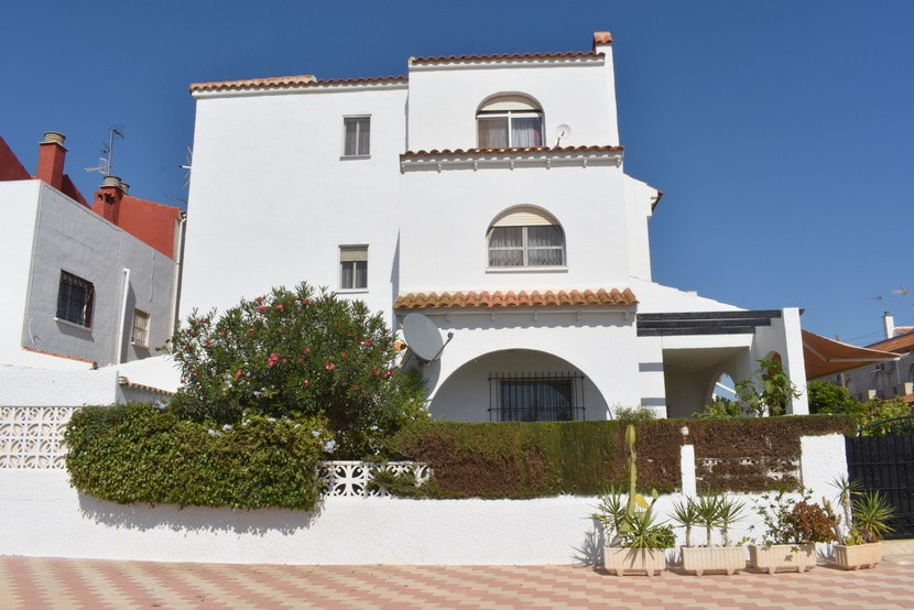 Ref:CB-26094 Villa For Sale in Los Alcazares