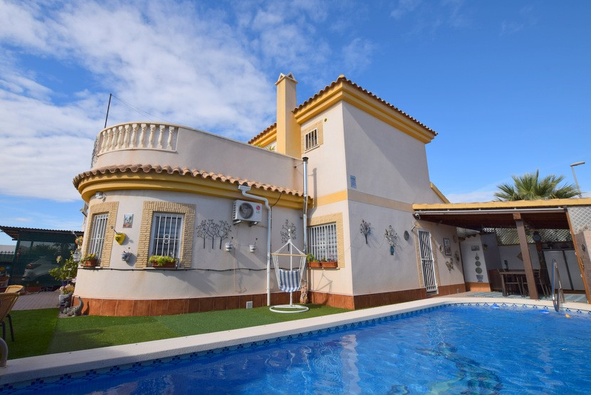 Ref:CB-21580 Villa For Sale in Sucina