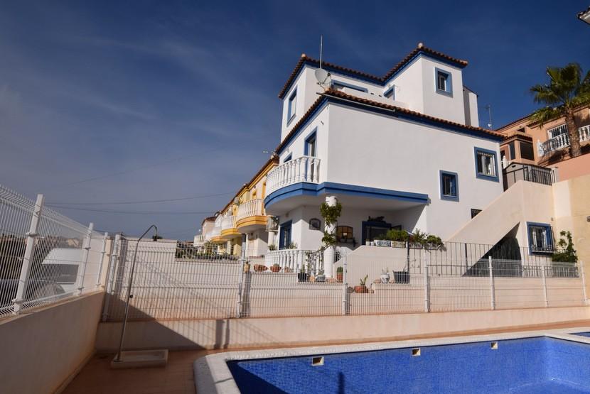 Ref:CB-77291 Villa For Sale in Villamartin